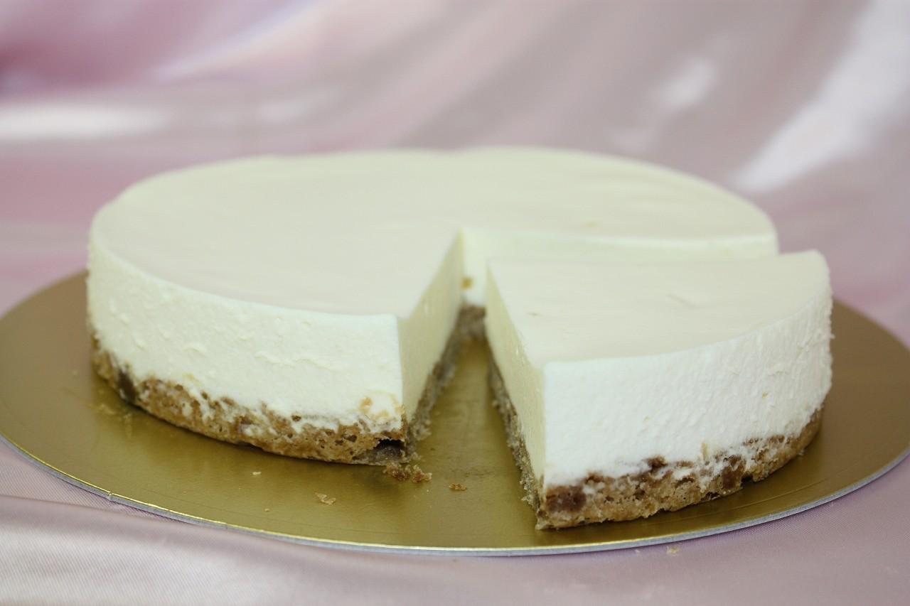 軽井沢高原のこだわりの素材を使用☆レアチーズケーキ5号