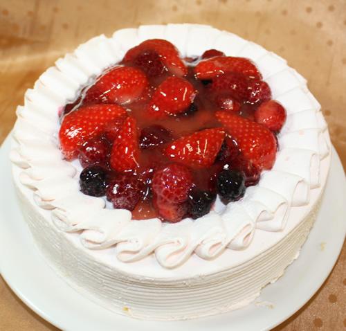 苺クリームのショートケーキ4号(直径12cm)