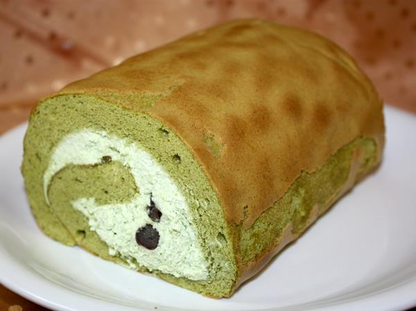 抹茶のロールケーキの画像1枚目