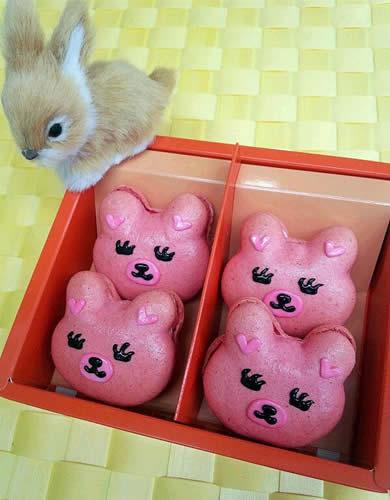 ウサギマカロン(ストロベリー)4個入り【詰め合わせ プレゼント マカロン】の画像1枚目