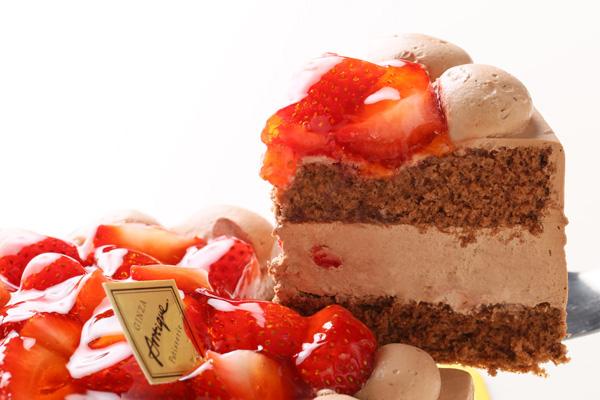 生チョコ苺盛りデコレーションケーキ 4号 12cmの画像3枚目