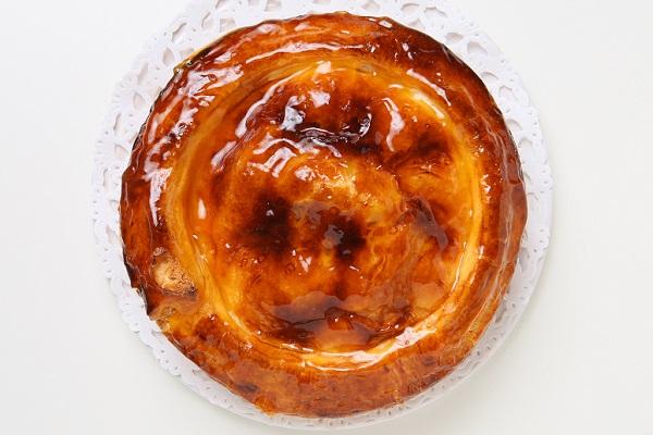 今が旬!青森りんごの紅玉のアップルパイ もち小麦入り 18㎝の画像2枚目
