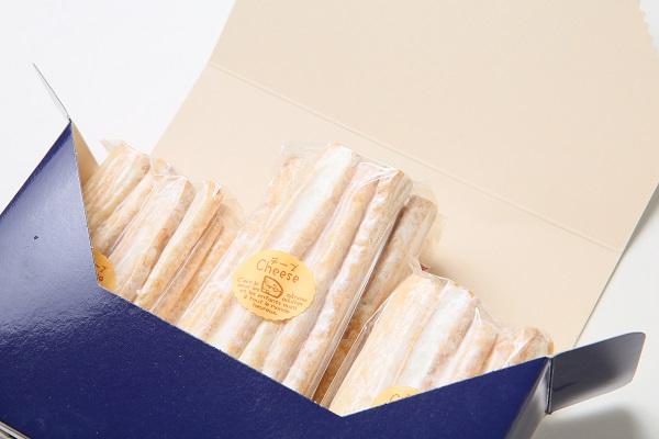 サクサクした歯ごたえが後を引きとまらなーいチーズパイ(2袋)の画像4枚目