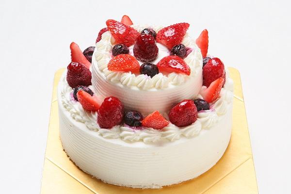 2段のケーキ  (上段:直径 約9cm / 下段:直径 約15cm)の画像1枚目