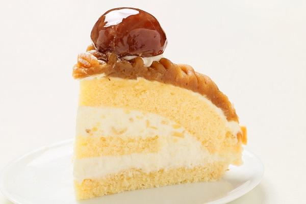 モンブラン 5号 サンドのクリームには栗のチョップをアクセントに。※写真は6号サイズです。の画像4枚目