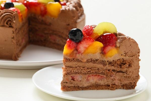 チョコ生クリームフルーツデコレーションケーキ6号(18cm)【バースデーケーキ 誕生日ケーキ デコ バースデー】の画像5枚目