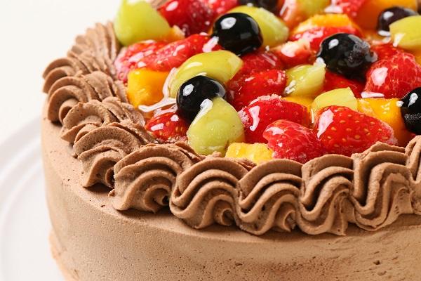 チョコ生クリームフルーツデコレーションケーキ6号(18cm)【バースデーケーキ 誕生日ケーキ デコ バースデー】の画像7枚目
