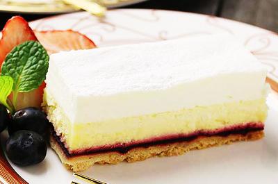 お母さんへ♪おいしく味わえるこだわりの誕生日ケーキ12選