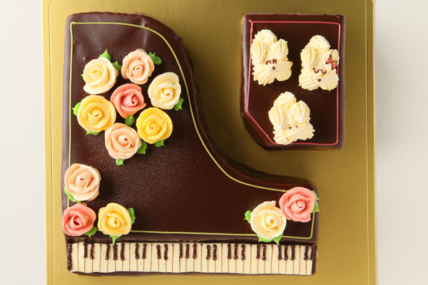 グランドピアノ立体ケーキ 4号 12cmの画像2枚目