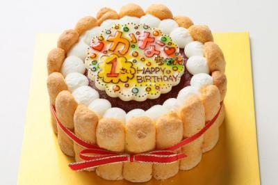 いちご味のヨーグルトムースケーキ