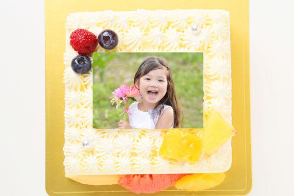 スクエア型フォト生クリームデコレーションケーキ 15cmの画像1枚目