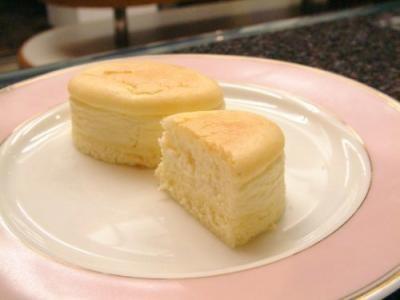 チーズ好きにオススメ!半熟チーズケーキ 10個入の画像3枚目
