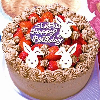 うさちゃんいちごとチョコのデコレーションケーキ  6号の画像1枚目