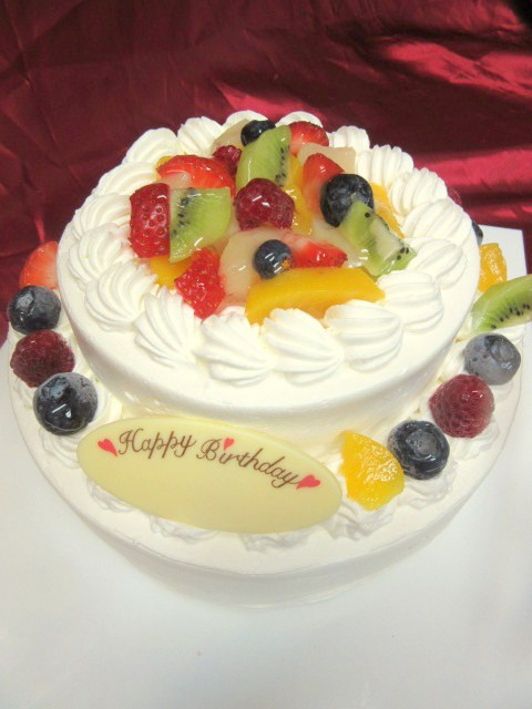 2段フルーツデコレーションケーキ 5号×7号の画像2枚目