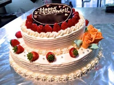 【東京 横浜市、みなとみらい近辺配送】【送料無料】【パーティ用 ウエディング用ケーキの生ケーキを宅配】【30cm】ラウンド2段の画像2枚目