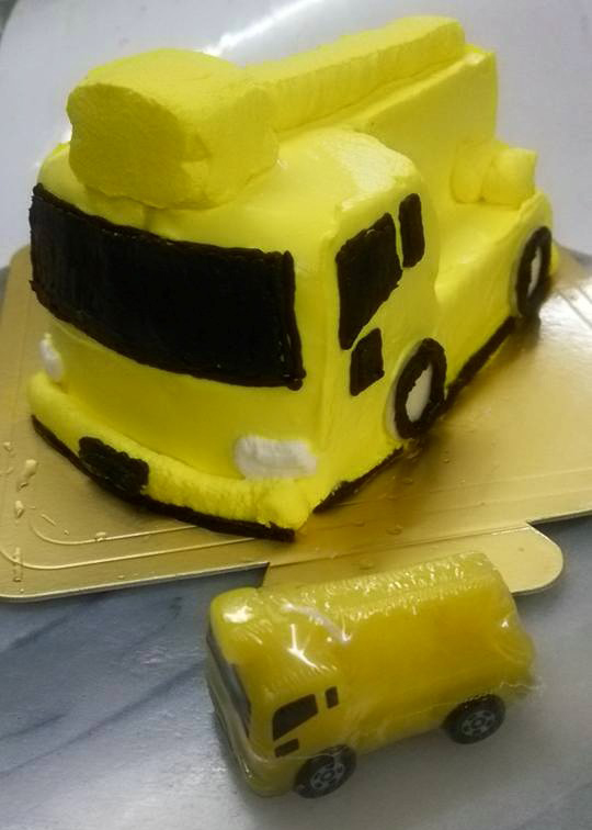 乗り物デコレーションケーキ 4号 12cmの画像4枚目
