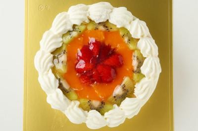 【送料無料】!フルーツの高級デコレーションケーキ4号の画像2枚目