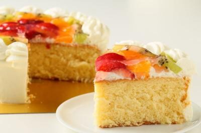【送料無料】!フルーツの高級デコレーションケーキ4号の画像5枚目