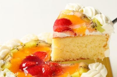 【送料無料】フルーツの高級デコレーションケーキ9号の画像3枚目