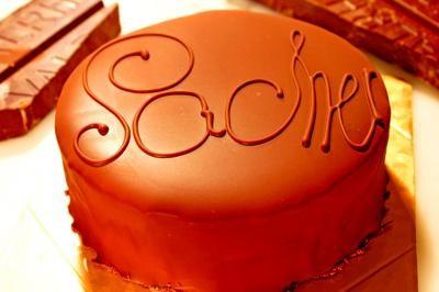 最高級洋菓子 シュス木苺レアチーズケーキ15cm&ウィーンの銘菓ザッハトルテ12cm セットの画像3枚目