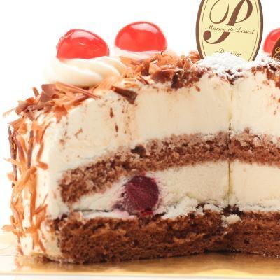 最高級洋菓子 シュヴァルツベルダーキルシュトルテ15cmの画像2枚目