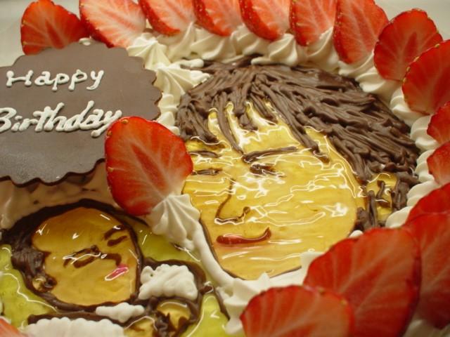 通販お急ぎ便!1日2台限定 大人気!イチゴの生クリームイラストケーキ6号 【誕生日 デコ バースデー バースデーケーキ】の画像4枚目