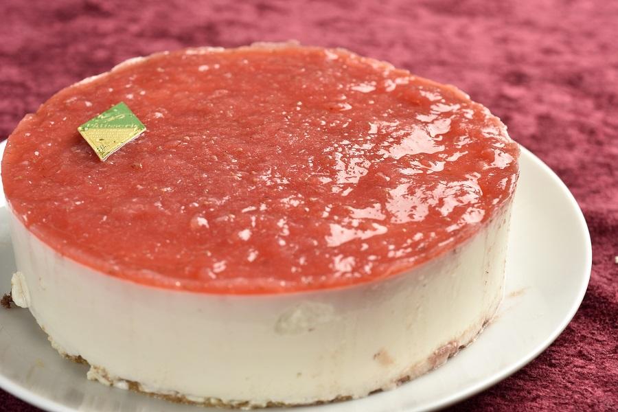 卵・乳製品・小麦粉除去 いちごの豆乳レアチーズケーキ5号 デコレーションセット付きの画像1枚目