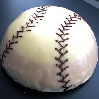 野球&ソフトボール好きなら♪いちごケーキスペシャル!一球入魂「白球くん」