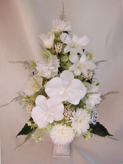 花彗華純白の胡蝶蘭と薄緑色の小花のニュアンスアレンジ 送料無料