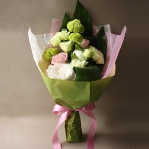【ポイント10倍】【銀座花門】ワンサイドブーケM(ホワイト)【花 フラワーギフト プレゼント お祝い 誕生日 贈り物】の画像3枚目