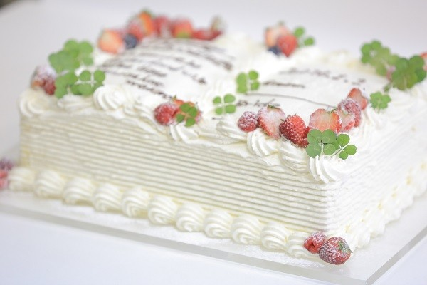 誓約書ケーキ 四つ葉 B5サイズ 18cm×26cm