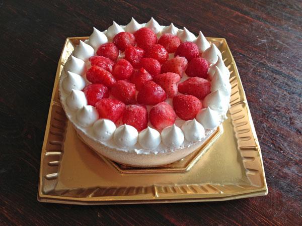 たっぷりイチゴのアイスケーキ 4号 12cm