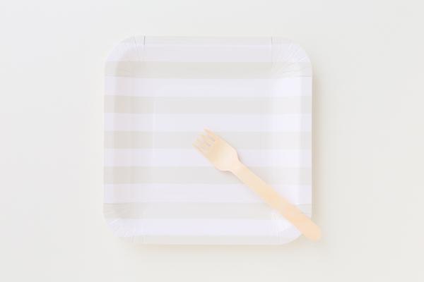 フォーク・皿セット(有料オプション/一部商品のみ対応)