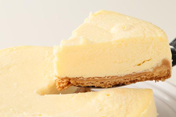 立体チョコ人形【手作り】付きチーズケーキ 5号 15cmの画像3枚目