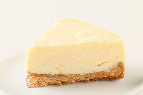 立体チョコ人形【手作り】付きチーズケーキ 5号 15cmの画像4枚目