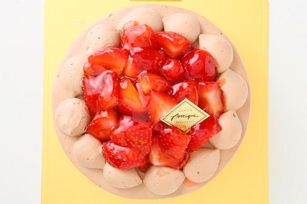 生チョコ苺盛りデコレーションケーキ 4号 12cmの画像2枚目