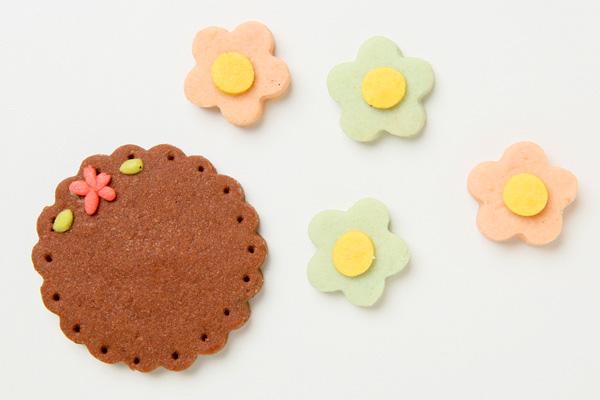 キャラクタークッキーのデコレーションケーキ 4号 12cmの画像16枚目