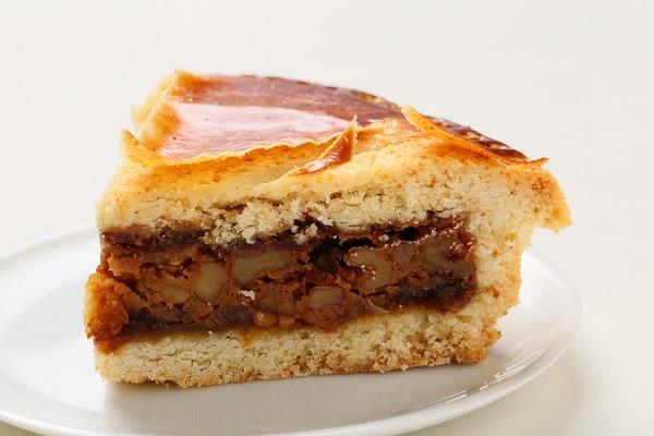 最高級洋菓子 エンガディナーはちみつとクルミのタルト16cm【バースデーケーキ 誕生日ケーキ デコ バースデー】【メッセージプレートなし】の画像4枚目
