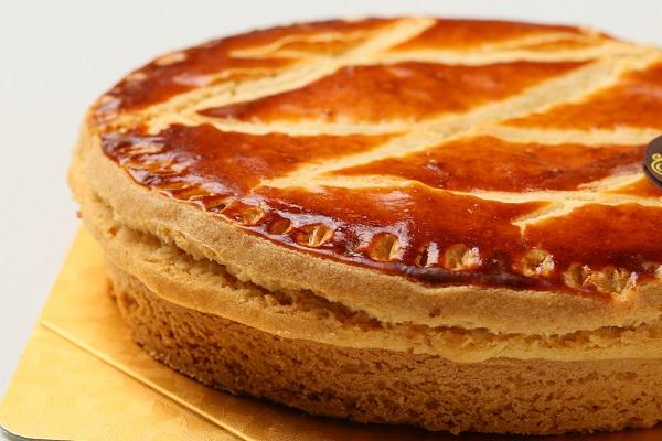最高級洋菓子 エンガディナーはちみつとクルミのタルト16cm【バースデーケーキ 誕生日ケーキ デコ バースデー】【メッセージプレートなし】の画像7枚目