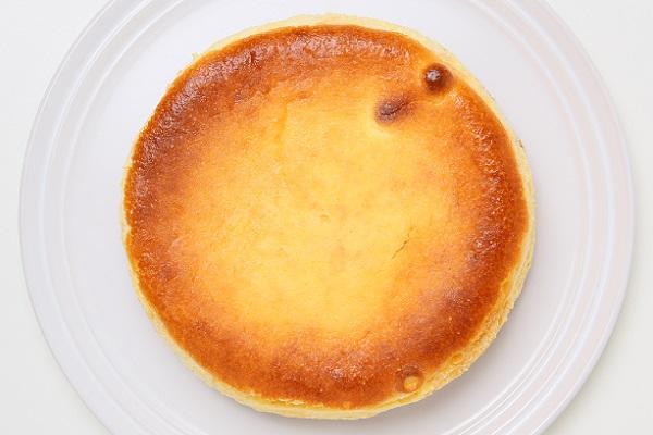 チーズのコクとレモンの爽やかさがマッチ☆ベイクドチーズケーキ 5号 15cmの画像2枚目