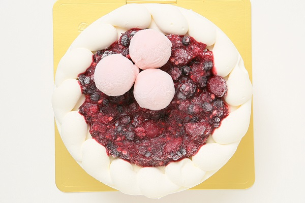 ストロベリーアイスケーキ ミックスベリージャムといちごミルクジェラート添え 4.5号 直径約15cm×高さ約5.5cmの画像2枚目