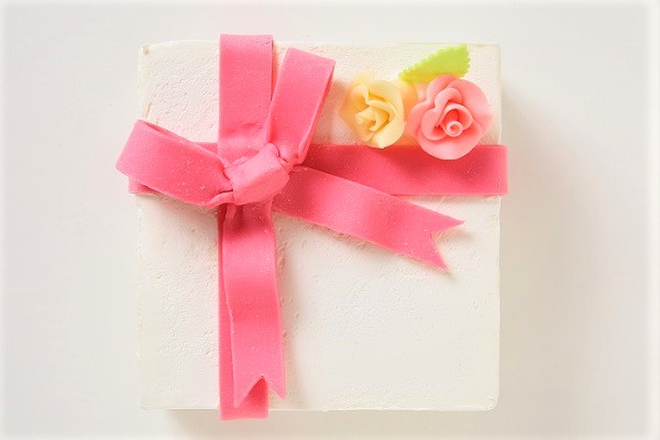 プレゼントボックスケーキ