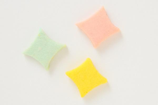 卵・乳製品除去可能 乗り物クッキーのデコレーションケーキ(ホワイト)☆国産小麦粉と安心材料 4号 12cmの画像10枚目