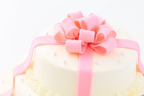 リボンカラーが選べる丸型 プレゼントボックスケーキ 3段 10号×7号×5号の画像10枚目