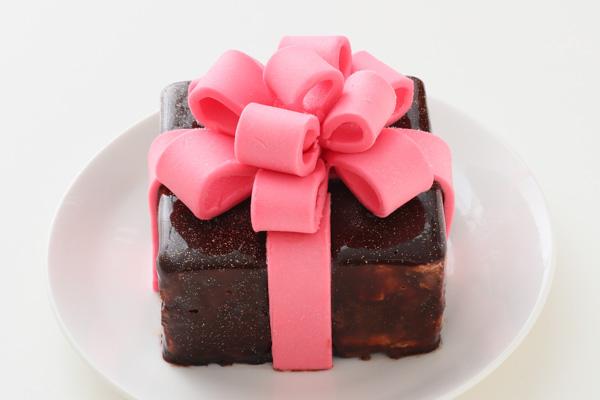 バレンタイン限定 プレゼントボックスケーキ 9×9cmの画像3枚目