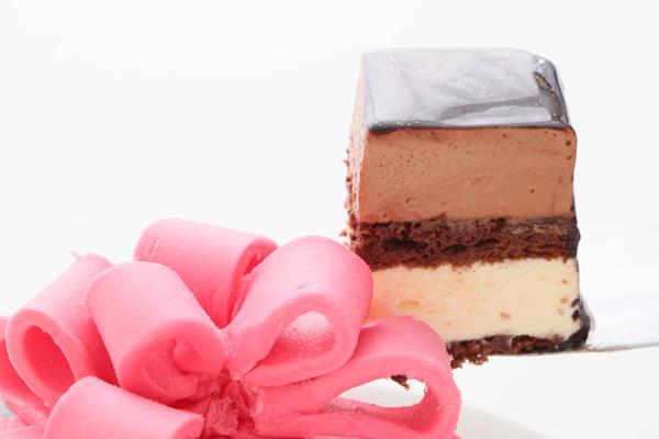バレンタイン限定 プレゼントボックスケーキ 9×9cmの画像5枚目