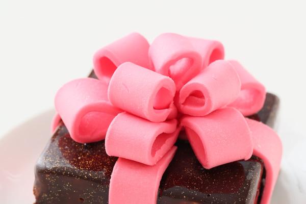 バレンタイン限定 プレゼントボックスケーキ 9×9cmの画像9枚目