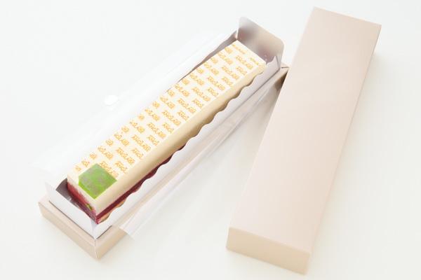 ホワイトデー 木苺ジュレとレアチーズのスクエアケーキ 長さ21cmの画像1枚目