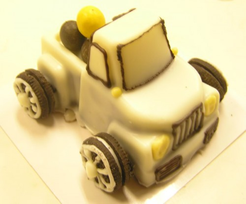 トラックのケーキ 3号 9cm