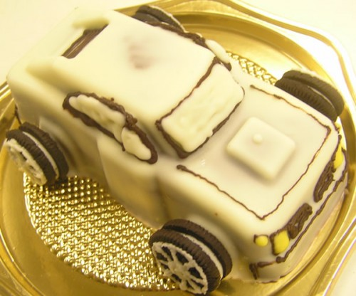 スポーツカー(大)のケーキ 4号 12cm